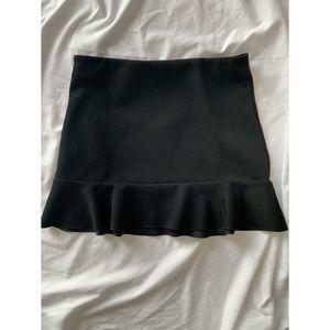 FOREVER 21 Black mini skirt, size M